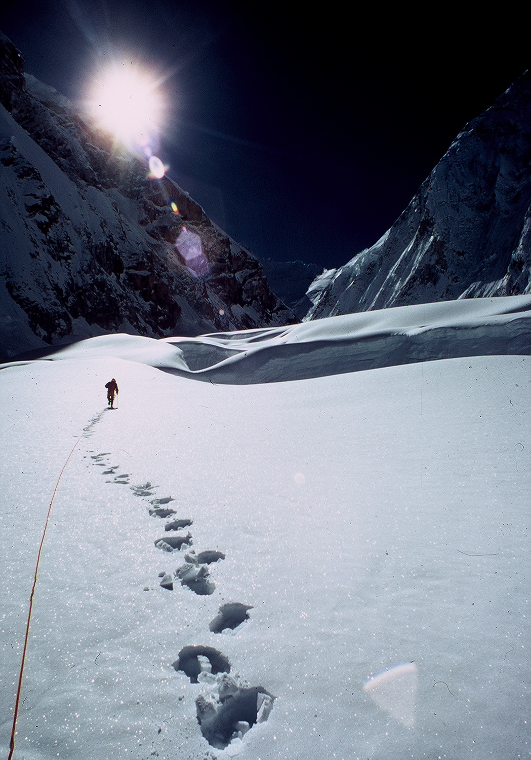 Everest: Footsteps In The Snow